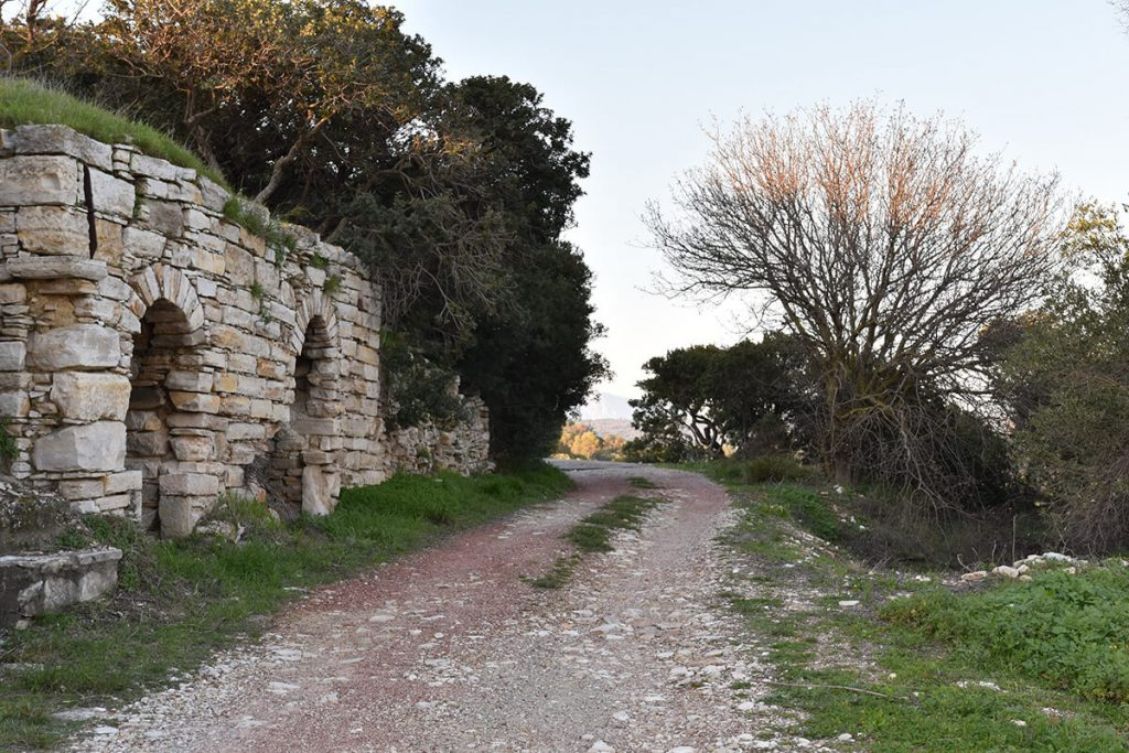 Walking around the old Katarraktis village in Chios